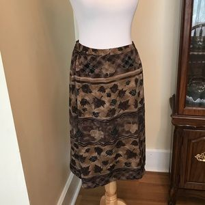 Tanjay maple leaf skirt
